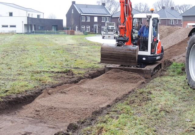 Aanleggen pad op nieuwbouwplan Merenveld te Nederweert